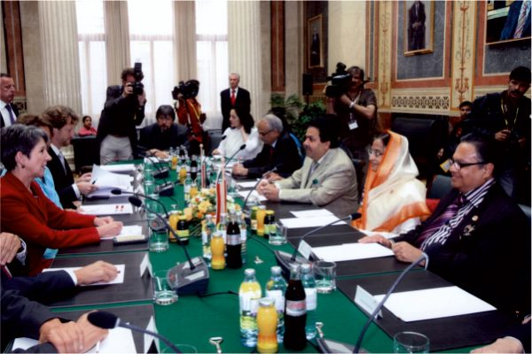 Vijay Darda along with President Pratibha Patil during a meeting with President of the National Council, Mag Barbara Prammer, during their visit to the Austrian Parliament, Vienna.